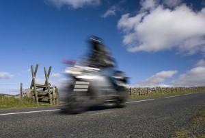 Motorsykkel med høy fart. Illustrasjonsfoto: Damnura