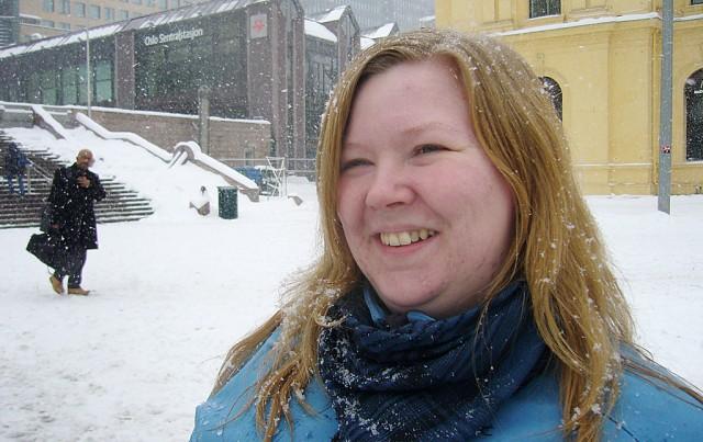 Anja Karlsen:  Kjære mamma, gratulerer så mye med 30-årsdagen den 13.02. Glad i deg! Klem fra Pia og Terese