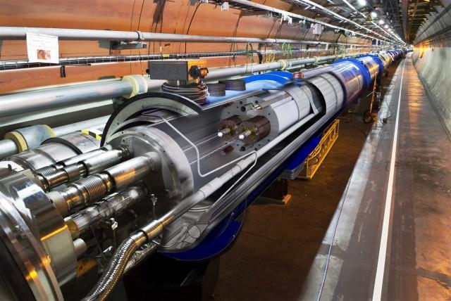 Partikkelakseleratoren til Den europeiske organisasjonen for kjernefysisk forskning genererer enorme datamengder. Nå står Norge og deriblant Narvik øverst på listen for plassering av ny datahall. Illustrasjonsfoto: Cern