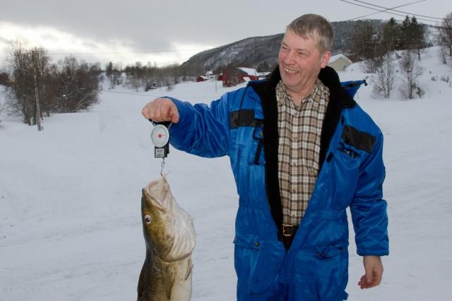 Birger Bertheussen fra Narvik hentet hjem en førsteplass, tre fisk og hudpleieprodukter. Foto: Robin Lund