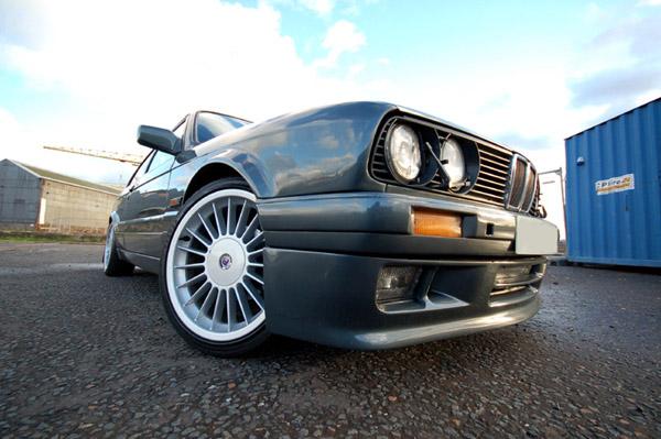 Mann råkjørte i Bjerkvik med BMW uten registeringsnummer. Illustrasjonsfoto: Stefan Ray