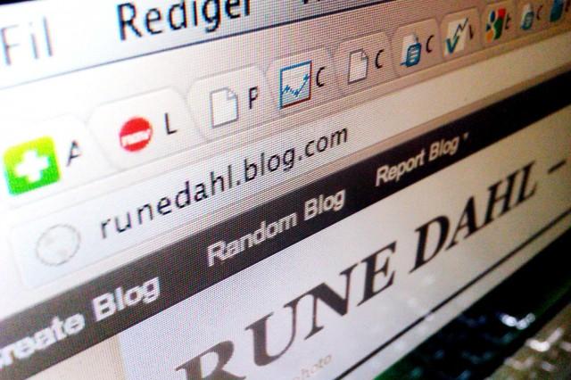 Rune Dahl blogger med bilder. Foto: Skjermbilde
