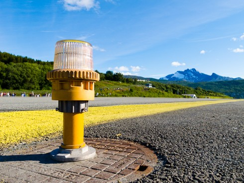 Narvik lufthavn på Framnes har blitt kåret til én av verdens skjønneste innflyginger. Foto: Robin Lund, fotonaut.no