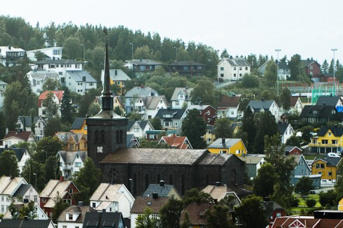 Stormen blåste opp dør på Narvik kirke. Arkivfoto: Robin Lund, fotonaut.no