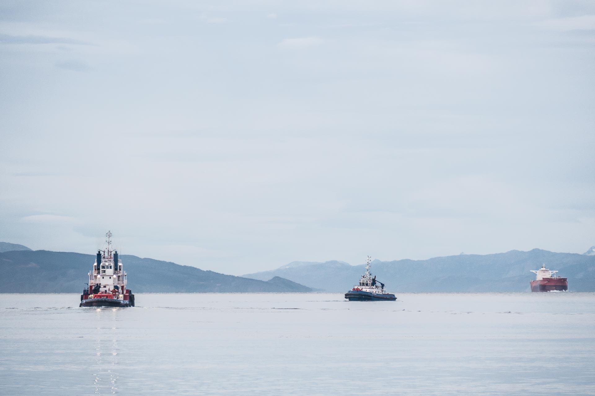 Slepebåter og malmbåt
